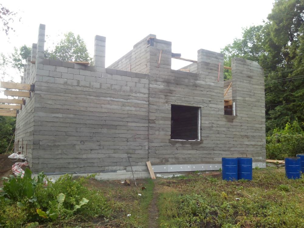 стена 2 этажа